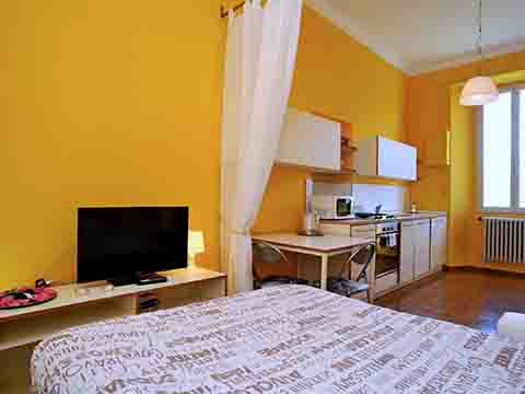 Bilder von Comer See Ferienwohnung Monolocale_vista_lago_Bellagio_40_Doppelbett-Schlafzimmer
