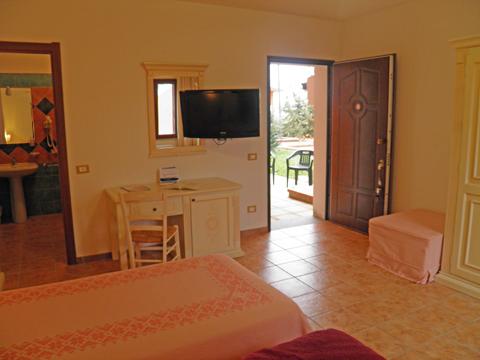 Bilder von Sardinien Nordküste Ferienanlage für Familien Montiruju_Standard_III_Santa_Maria_Coghinas_30_Wohnraum