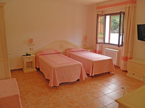 Bilder von Sardinien Nordküste Ferienanlage für Familien Montiruju_Standard_III_Santa_Maria_Coghinas_45_Schlafraum