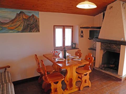 Bilder von Comer See Ferienhaus Nadia_Peglio_30_Wohnraum