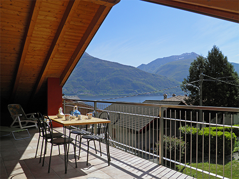 Bilder von Lac de Côme Appartement Nella_Pianello_del_Lario_20_Garten