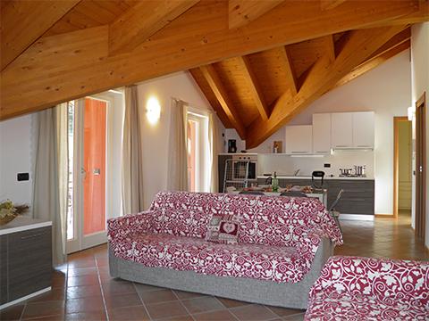 Bilder von Lac de Côme Appartement Nella_Pianello_del_Lario_31_Wohnraum