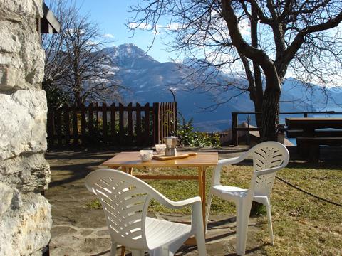 Bilder von Comer See Ferienhaus Nino_Naro-Gravedona_20_Garten
