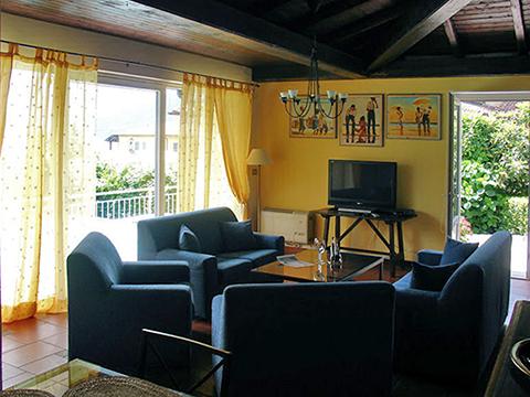 Bilder von Comer See Villa Palazzetta_Domaso_30_Wohnraum