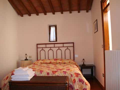Bilder von Chianti Apartment Palei_D_Castelnuovo_Berardenga_40_Doppelbett-Schlafzimmer