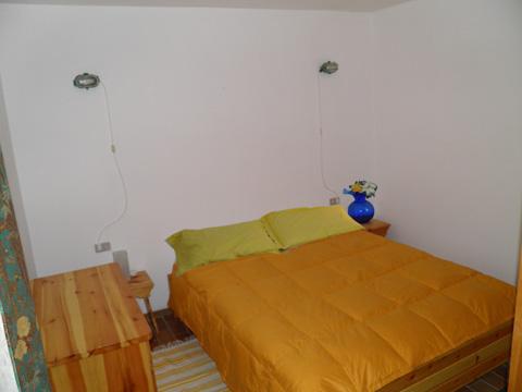 Bilder von Comer See Ferienwohnung Palu_Madesimo_40_Doppelbett-Schlafzimmer