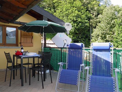 Bilder von Comer See Ferienwohnung Panorama_Vercana_11_Terrasse