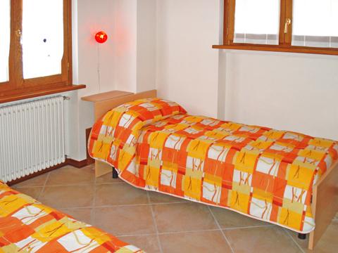 Bilder von Comer See Ferienwohnung Panorama_Vercana_45_Schlafraum
