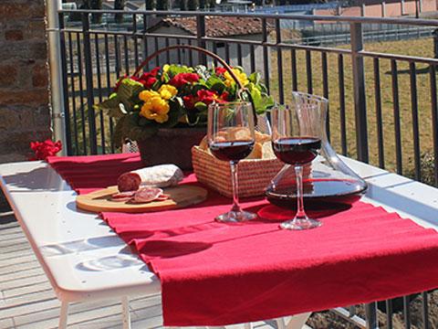 Bilder von Comer See Ferienanlage für Familien Paradiso_Legnoncino_Gravedona_10_Balkon