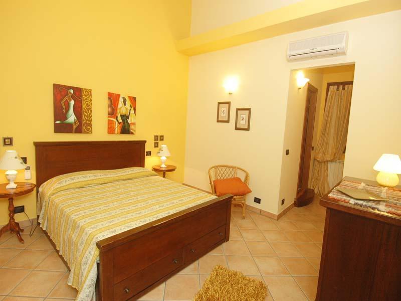 Bilder von Sicile North Coast Villa Patric_1_Castellammare_del_Golfo_40_Doppelbett-Schlafzimmer