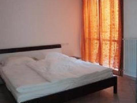Bilder von Lago Maggiore Ferienwohnung Pensiero_4008_Tronzano_40_Doppelbett-Schlafzimmer