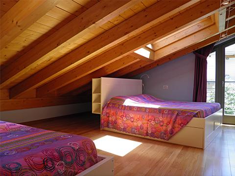 Bilder von Comer See Ferienwohnung Perla_Colico_40_Doppelbett-Schlafzimmer