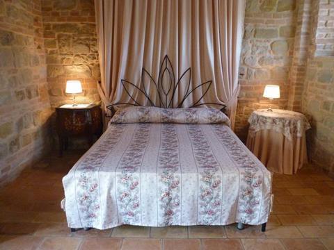 Bilder von Adriatic Sea Villa Pian_di_Pieca_San_Ginesio_40_Doppelbett-Schlafzimmer