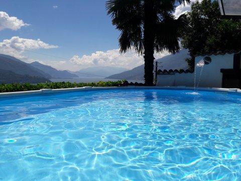 Bilder von Comer See Ferienwohnung Prosecco_Gravedona_16_Pool