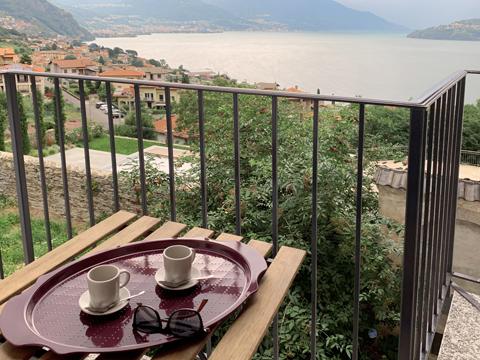 Bilder von Comer See Ferienwohnung Rayo_Pianello_del_Lario_10_Balkon