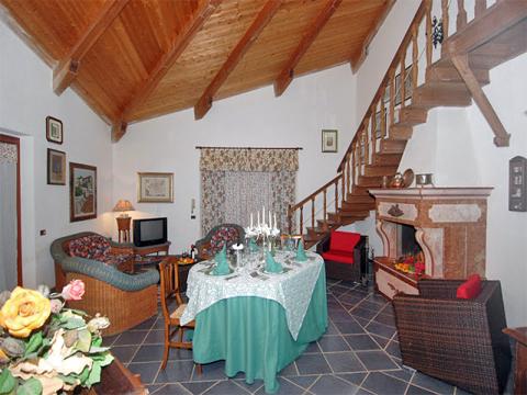 Bilder von Sicile North Coast Villa Romantica_49__30_Wohnraum