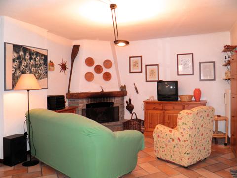 Bilder von Comer See Ferienhaus Romantica_Rezzonico_30_Wohnraum