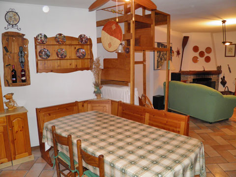 Bilder von Comer See Ferienhaus Romantica_Rezzonico_31_Wohnraum