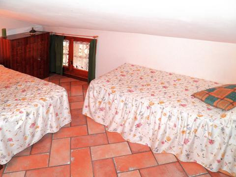 Bilder von Comer See Ferienhaus Romantica_Rezzonico_45_Schlafraum
