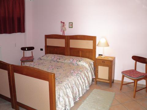 Bilder von Comer See Ferienwohnung Rosanna_Gera_Lario_40_Doppelbett-Schlafzimmer