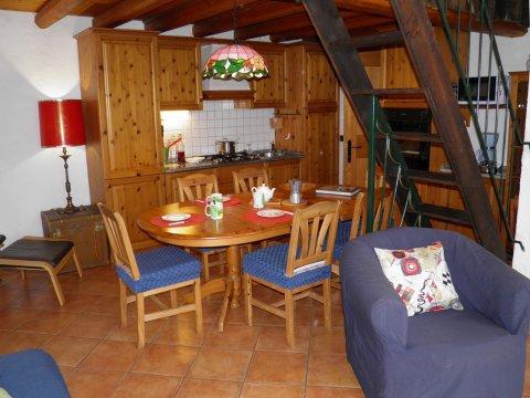 Bilder von Comer See Ferienhaus Rosato_Gravedona_35_Kueche