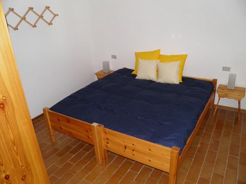 Bilder von Comer See Ferienwohnung San_Rocco_Madesimo_40_Doppelbett-Schlafzimmer