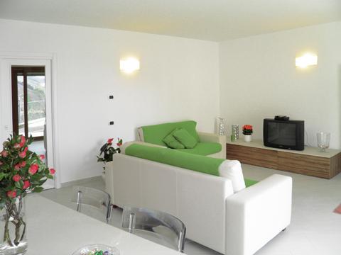 Bilder von Lac de Côme Appartement Sandra_Gravedona_31_Wohnraum
