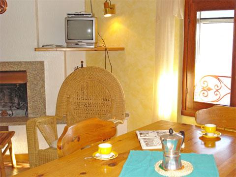 Bilder von Comer See Ferienwohnung Sostra_Domaso_30_Wohnraum
