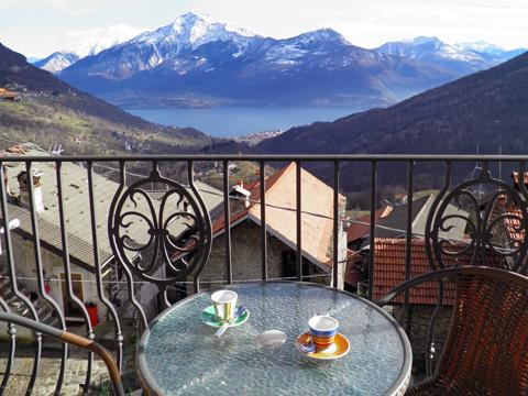 Bilder von Comer See Ferienwohnung Titti_Dosso_del_Liro_10_Balkon