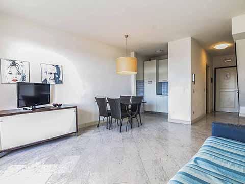 Bilder von Versiglia Appartement Trilocale_terrazzo_Forte_dei_Marmi_30_Wohnraum