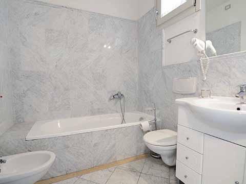 Bilder von Versiglia Appartement Trilocale_terrazzo_Forte_dei_Marmi_50_Bad