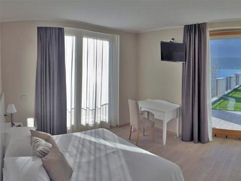 Bilder von Comer See Hotel Tullio_Gravedona_40_Doppelbett-Schlafzimmer