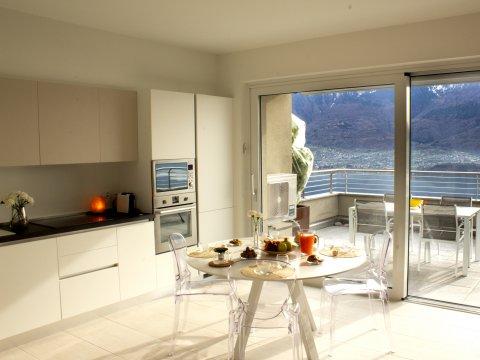 Bilder von Lake Como Wellness house Valarin_Venezia_Vercana_35_Kueche