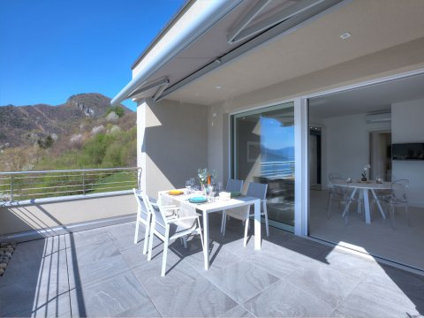 Bilder von Lake Como Wellness house Valarin_Venezia_Vercana_60_Landschaft