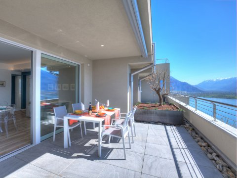 Bilder von Lake Como Resort Valarin_Verona_Vercana_10_Balkon