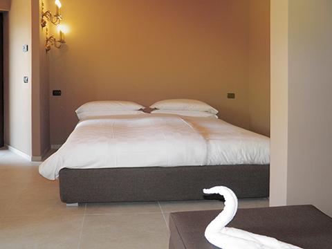 Bilder von Comer See Ferienwohnung Villa_Ago_Topazio_Gravedona_40_Doppelbett-Schlafzimmer