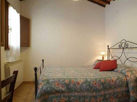 Bilder von Chianti Ferienwohnung Villa_di_Sotto_6_Castelnuovo_Berardenga_40_Doppelbett-Schlafzimmer