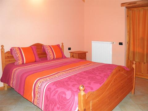 Bilder von Comer See Hotel Agriturismo B&B Zertin_Typ_1_Peglio_40_Doppelbett-Schlafzimmer