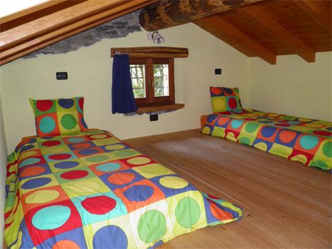 Bilder von Comer See Hotel Agriturismo Zertin_Typ_5_Peglio_45_Schlafraum