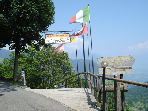 Bilder von Lago di Como Agriturismo B&B Zertin_Typ_5_Peglio_56_Haus