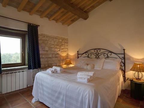 Bilder von Mare Adriatico Casa vacanza del_Sidro_Arcevia_40_Doppelbett-Schlafzimmer