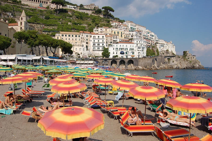 10 beautiful Italian beaches